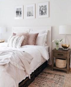 Comfy Urban Master Bedroom Ideas35