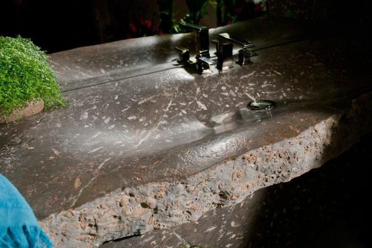 Elegant Stone Bathroom Design25