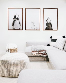 Lovely Black And White Living Room Ideas06