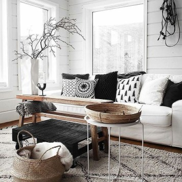 Lovely Black And White Living Room Ideas34