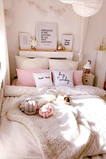 Lovely Girly Bedroom Design14