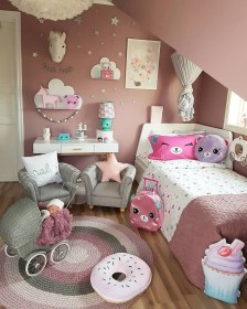 Lovely Girly Bedroom Design44