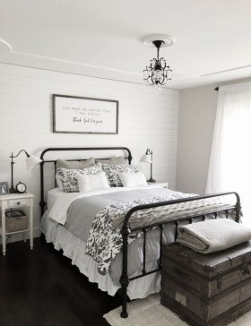 Modern Farmhouse Bedroom Ideas06