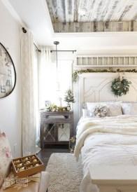 Modern White Farmhouse Bedroom Ideas07
