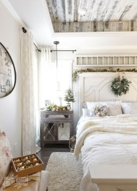 Modern White Farmhouse Bedroom Ideas07