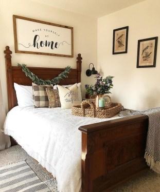 Modern White Farmhouse Bedroom Ideas19