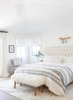 Modern White Farmhouse Bedroom Ideas25