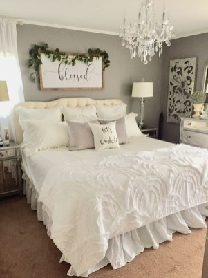 Modern White Farmhouse Bedroom Ideas29