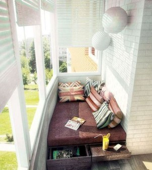 Comfy Apartment Balcony Decorating10