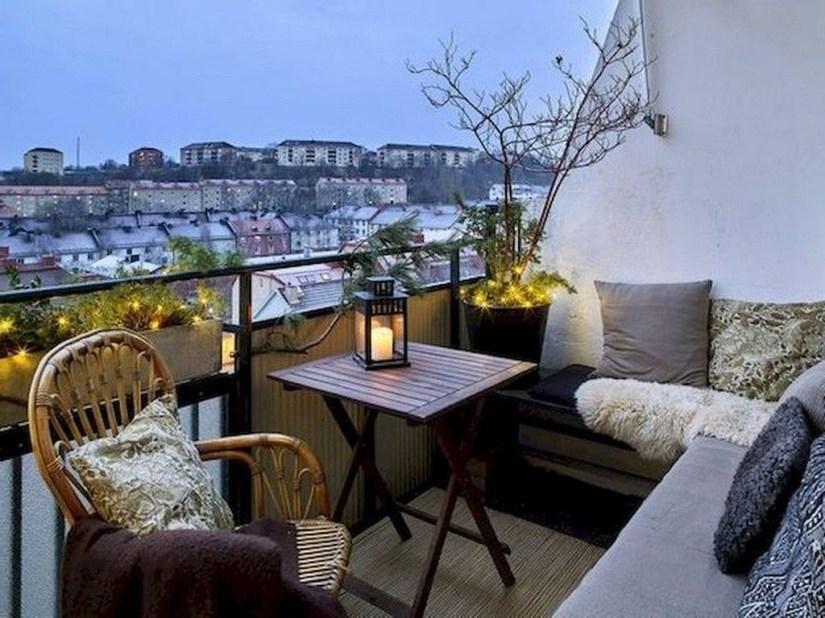 Comfy Apartment Balcony Decorating18