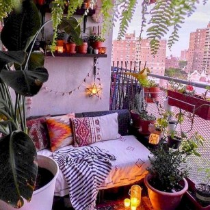 Comfy Apartment Balcony Decorating20