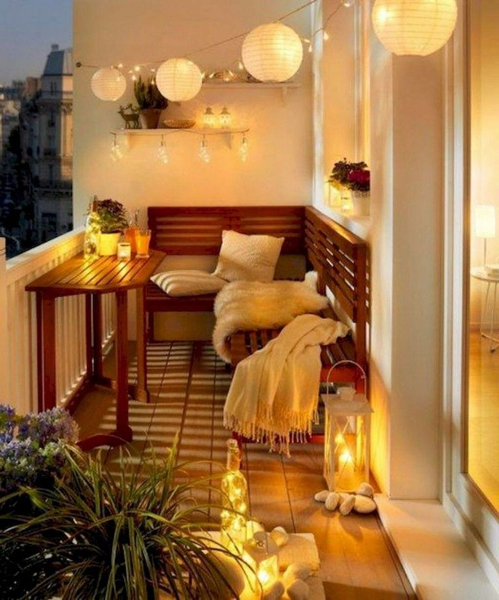 Comfy Apartment Balcony Decorating29