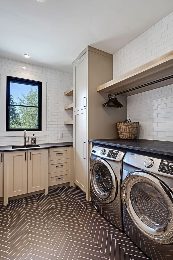 Beautiful Laundry Room Tile Design47