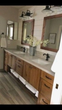 Best Farmhouse Bathroom Remodel29