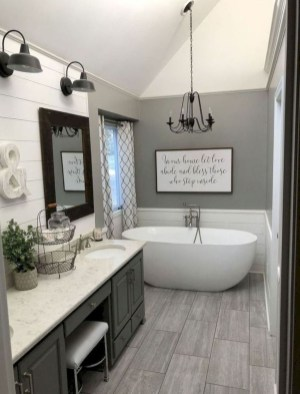 Best Farmhouse Bathroom Remodel33