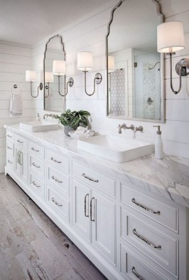 Best Farmhouse Bathroom Remodel36