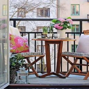 Exciting Small Balcony Decorating For Farmhouse18