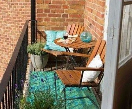 Exciting Small Balcony Decorating For Farmhouse45