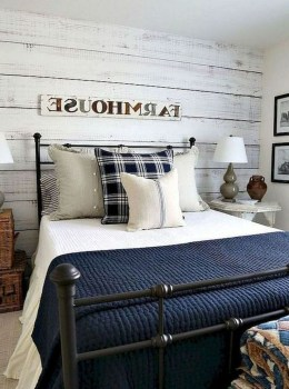Lovely Urban Farmhouse Master Bedroom Remodel Ideas15