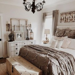 Lovely Urban Farmhouse Master Bedroom Remodel Ideas32