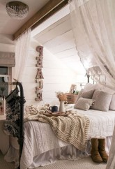 Lovely Urban Farmhouse Master Bedroom Remodel Ideas33