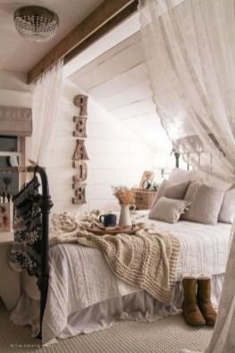Lovely Urban Farmhouse Master Bedroom Remodel Ideas37