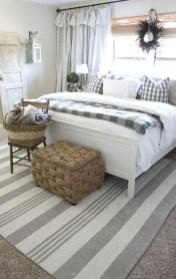 Lovely Urban Farmhouse Master Bedroom Remodel Ideas40