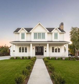 Marvelous Farmhouse Exterior Design Ideas30
