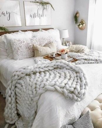 Smart Modern Farmhouse Style Bedroom Decor07