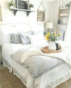 Smart Modern Farmhouse Style Bedroom Decor20