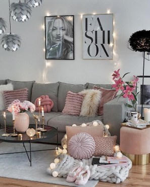 Smart Small Living Room Decor Ideas24