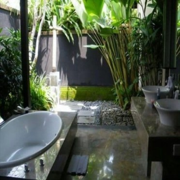 Amazing Outdoor Bathroom Design Ideas24