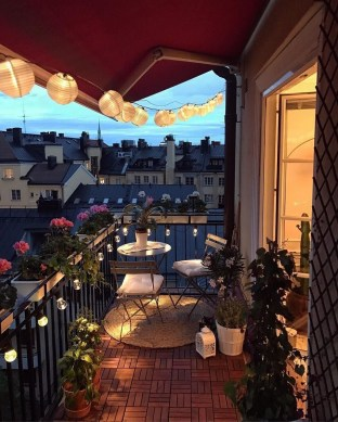 Awesome Small Balcony Ideas For Apartment15