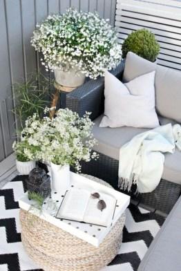 Creative And Simple Balcony Decor Ideas21