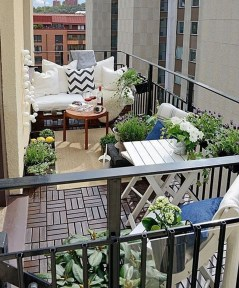 Creative And Simple Balcony Decor Ideas34