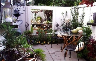 Creative And Simple Balcony Decor Ideas40