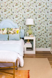 The Best Interior Design Using Wallpaper To Add To The Beauty Of Your Home21