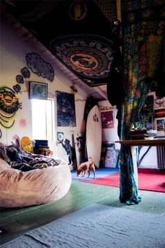 Awesome Bohemian Bedroom Tapestry Decorating Ideas24