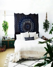 Awesome Bohemian Bedroom Tapestry Decorating Ideas37