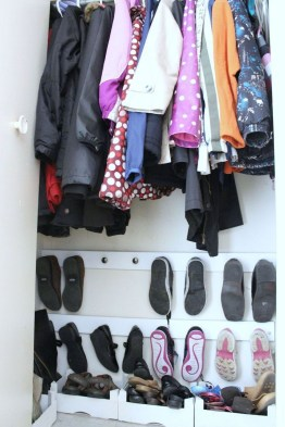 Awesome Shoe Storage Diy Projects For Small Spaces Ideas25