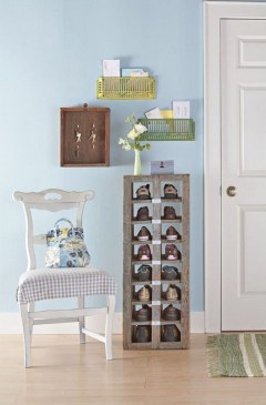 Awesome Shoe Storage Diy Projects For Small Spaces Ideas41