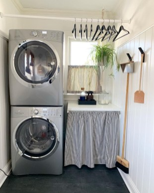Beautiful Ideas For Tiny Laundry Spaces19