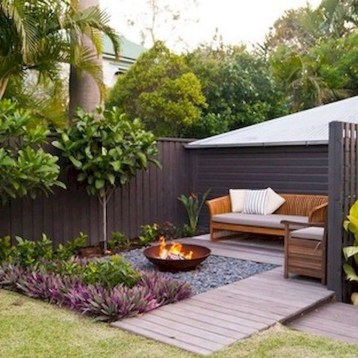 Gorgeous Small Backyard Landscaping Ideas06