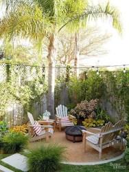 Gorgeous Small Backyard Landscaping Ideas13