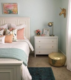 Gorgeous Small Master Bedroom Designs13