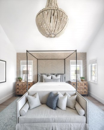 Gorgeous Small Master Bedroom Designs46