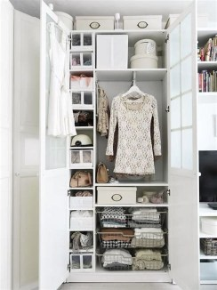 The Best Small Wardrobe Ideas For Your Apartment08