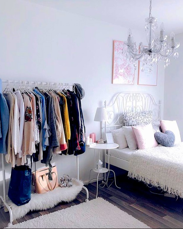 The Best Small Wardrobe Ideas For Your Apartment33