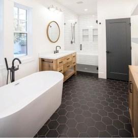 Gorgeous Cottage Bathroom Design Ideas04
