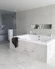 Modern Jacuzzi Bathroom Ideas23